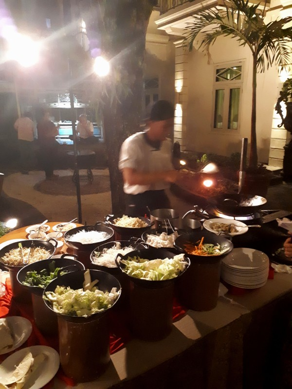 dinner buffet phoenix hotel yogyakarta