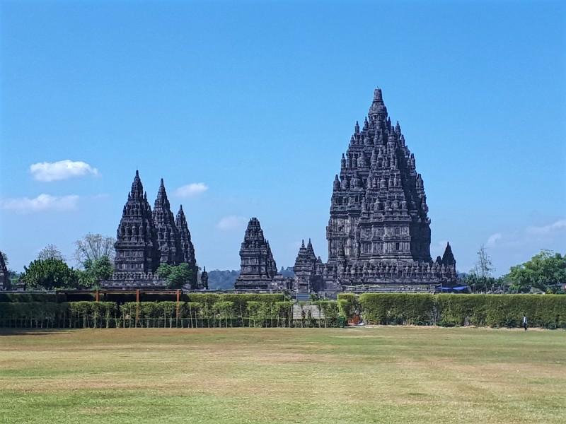 prambanan java indonesia hindu temples