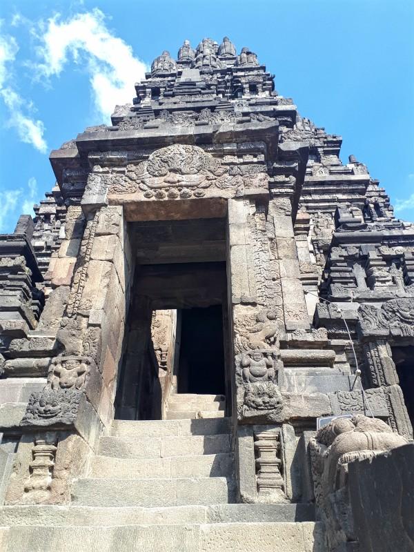 entrance climb
