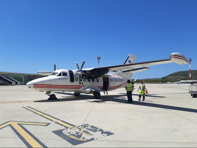 let l-410 turbolet trade air split