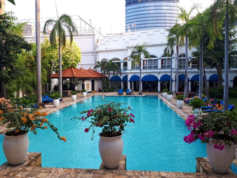 majapahit swimming pool surabaya