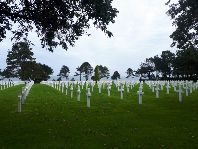 d-day cemetery normandy omaha