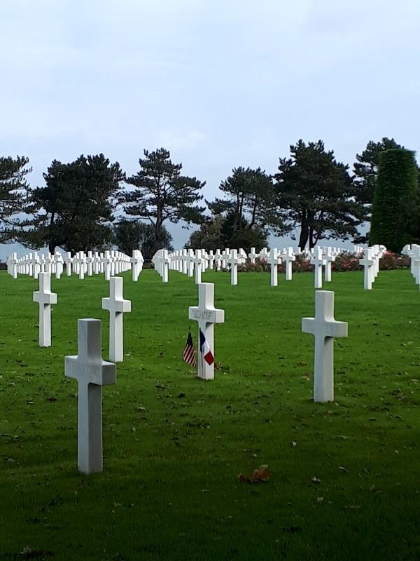 colleville-sur-mer normandy omaha beach d-day cemetery