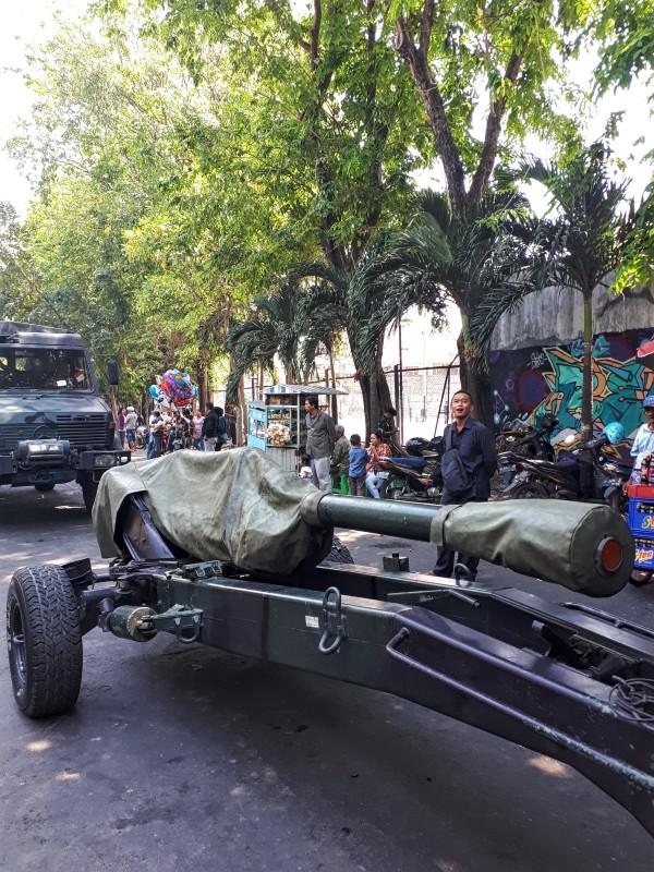 indonesian army gun