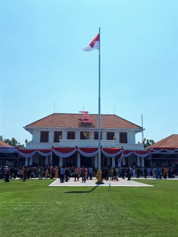 surabaya governor's house
