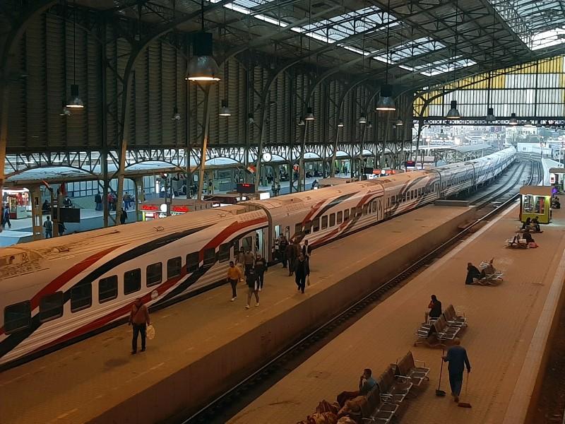 cairo ramses station egypt train