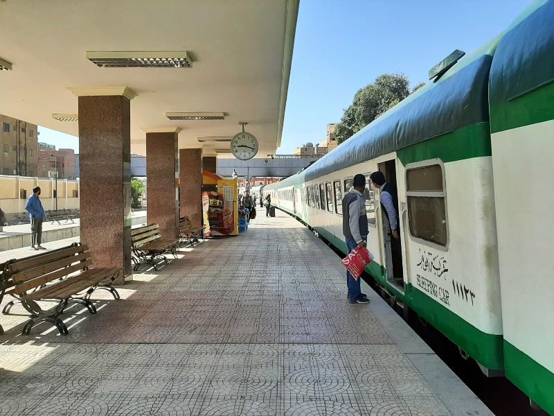 aswan station ernst watania sleeping train cairo egypt