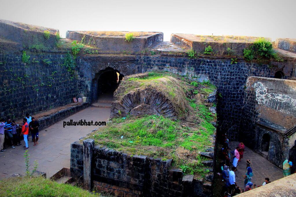 Manjrabad Fort -inside view