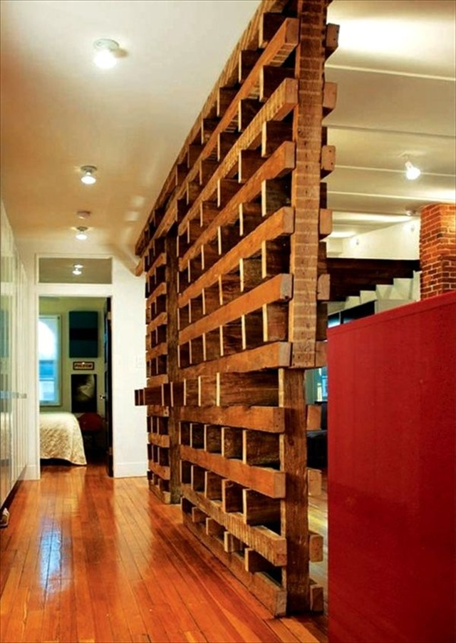 Who else wants to know about Pallet room divider? | Pallet ... on Pallet Room  id=45627