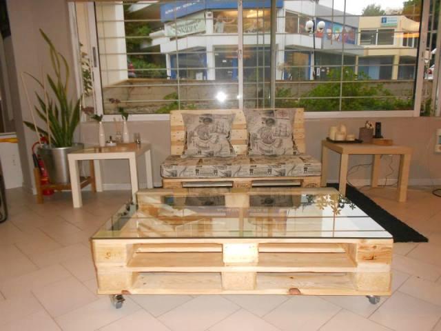DIY Pallet Sofa, Pallet Living Room Table | Pallet ... on Pallet Room  id=47651