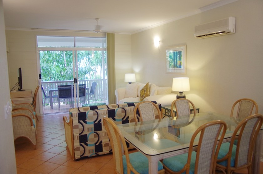 Dining/Lounge 2 Bedroom Apartment