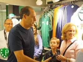 Evair, em lançamento de nova unidade da Academia Store. Foto: Palmeiras Online