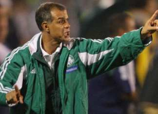 Jorginho, na época que comandava o Palmeiras.