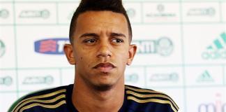 William Matheus, lateral do Palmeiras, em coletiva.