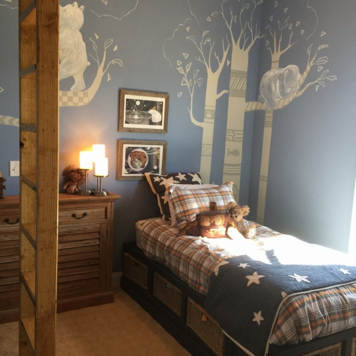 Bear themed child's bedroom