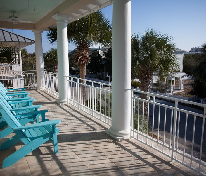 Beach house balcony porch design