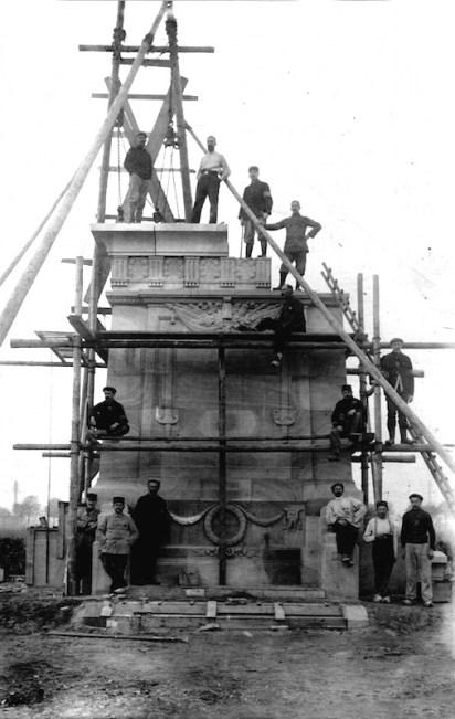 Construction of Memorial to POWs, 1916