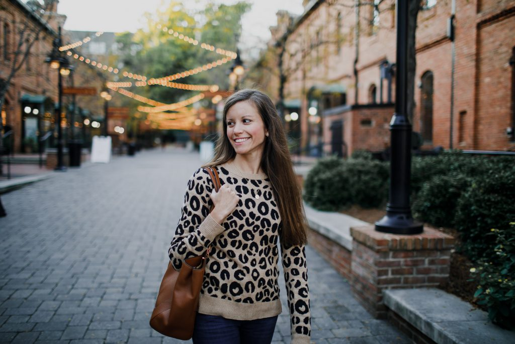 Must-have leopard print sweater