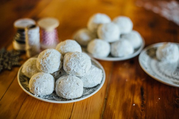 Christmas Cookies | Russian Tea Cakes | Palms to Pines