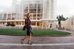 Southern california style | Jen Hawkins Palms to Pines | Trina Turk Blouse