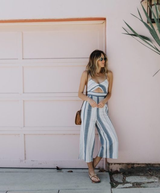 Jen Hawkins - California street style on Palms to Pines blog