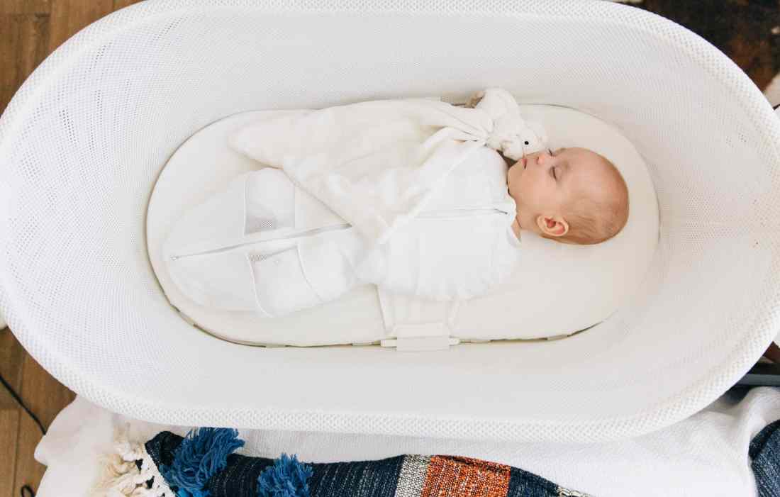 Romy and Piper | SNOO Bassinet Review | Best Baby Bassinet