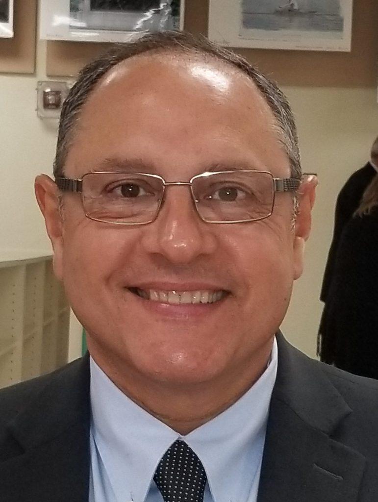 Luis Bello
