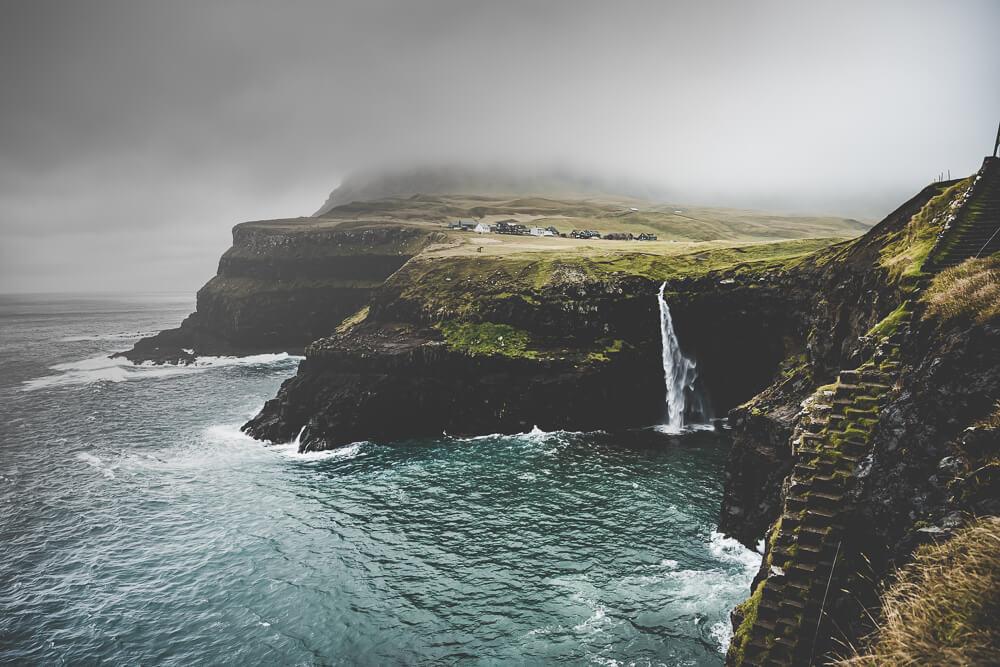 Faroeisland-Road-Trip_blog_nikon_dji_faroeisland_mounten_folkgreen00003 Bildbearbeitungs Service