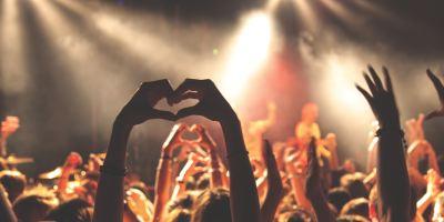 Todo se vale en el Cusica Fest, un festival que trajo arena y nostalgia.
