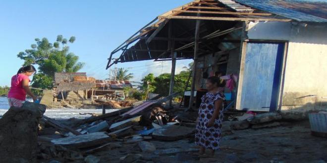Puluhan Rumah di Desa Pinoto Rusak Diterjang Ombak