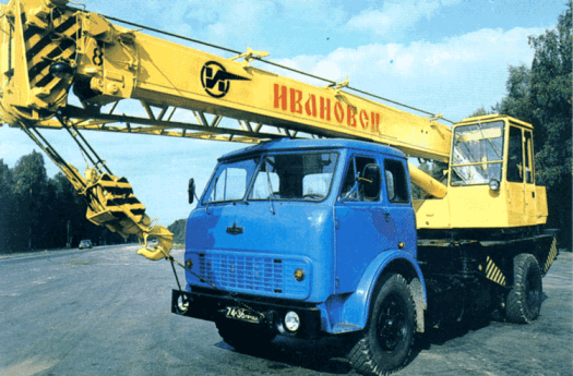 Turning to cranes, this is a 12.5 (metric) ton hydraulic truck crane. Very useful for light lifting, they're fairly common on construction sites and other places.