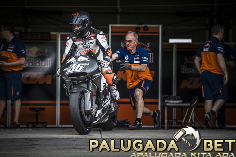 Mika Kallio Dan KTM RC16 Siap Beraksi Di GP Valencia 2016