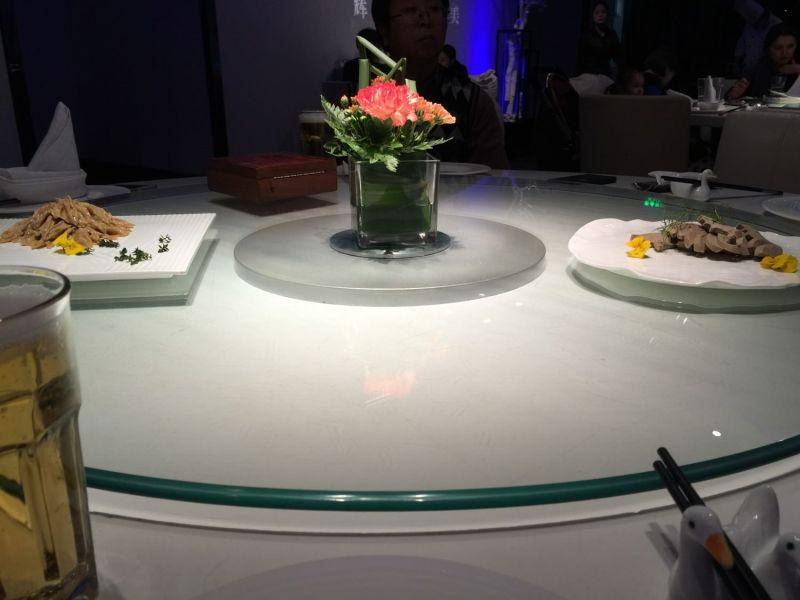 大董烤鴨冷盤: 右邊是鴨肝,左邊是芥末鴨賞