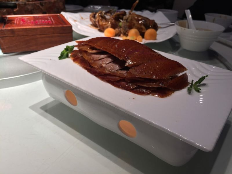 大董烤鴨: 片完的鴨美麗的躺在盤子上