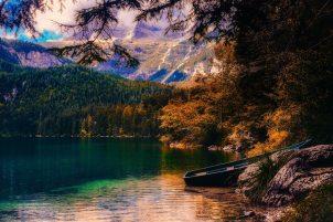 autumn-beautiful-boat-531391