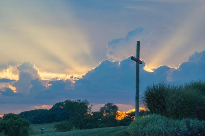 clouds-cross-dawn-635699