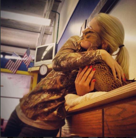 hug 4