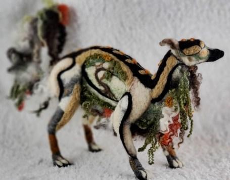 Elusive Forest Hund