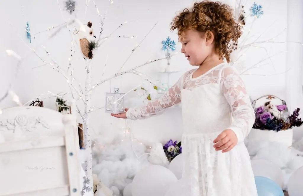 Lantern Photography Ideas Winter Toddler