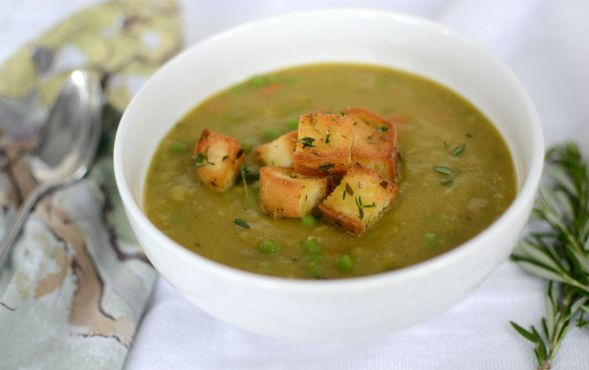 Split Pea Soup with Garlic Herbed Croutons