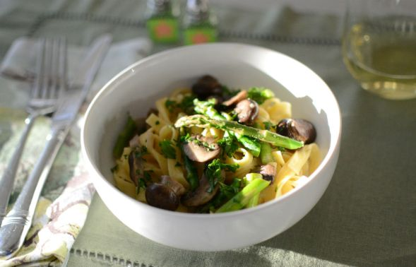 Fettucini with Mushrooms and Asparagus in a Mascarpone Cream Sauce
