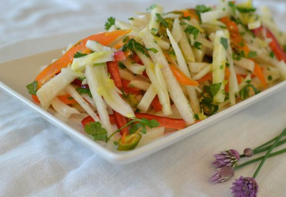 Spicy Jicama Fennel Apple Salad