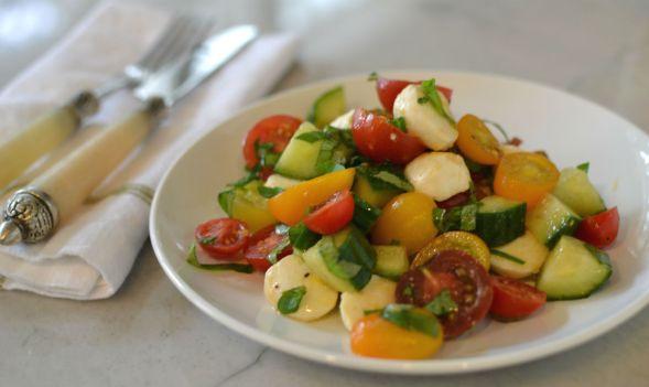 Quick Tomato Mozzarella Salad – Gluten Free