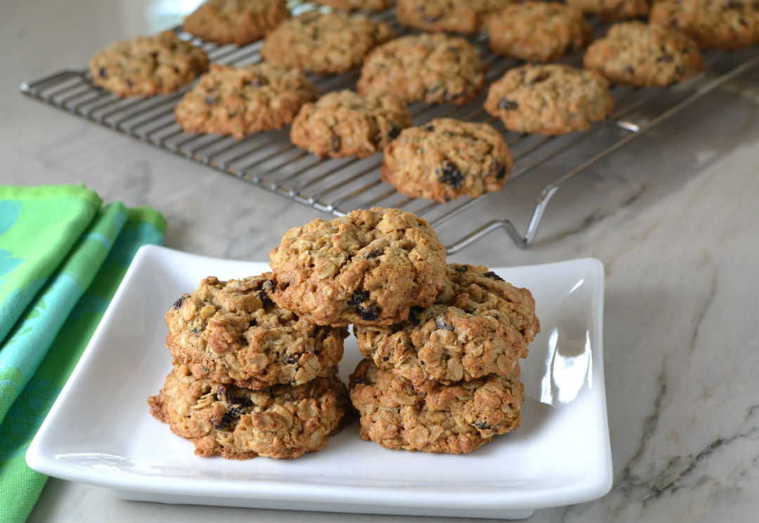 Traditional Oatmeal Raisin Cookies