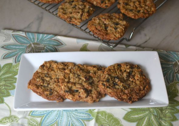 Oatmeal Pecan Currant Cookies