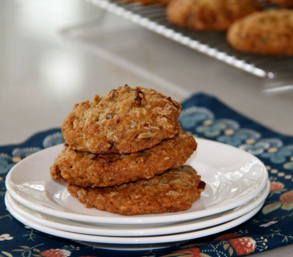Oatmeal Pecan Apricot Cookies