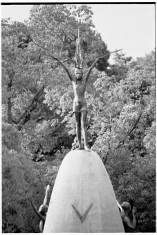 Staty i Hiroshima föreställande Sadako Sasaki.
