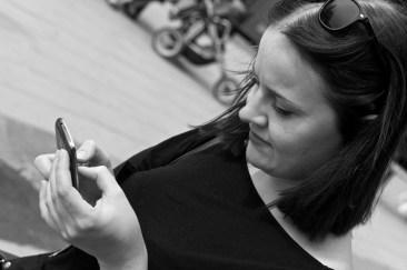 Förbundssekreteraren Hanna Cederin ser till att de sociala medierna hålls uppdaterade.
