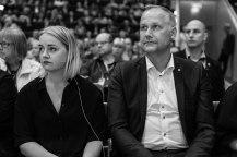 Hanna Cederin, förbundsordförande Ung Vänster och Jonas Sjöstedt, partiledare Vänsterpartiet. Fotograf: Jöran Fagerlund.