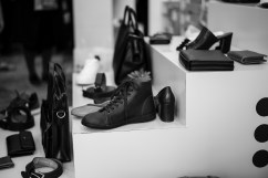 Djurfria skor, bälten och väskor.